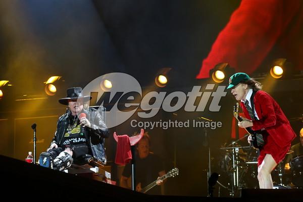AC/DC & Axl Rose  07-MAY-2016 @ Passeio Maritimo De Alge, Lisbon, Portugal © Thomas Zeidler
