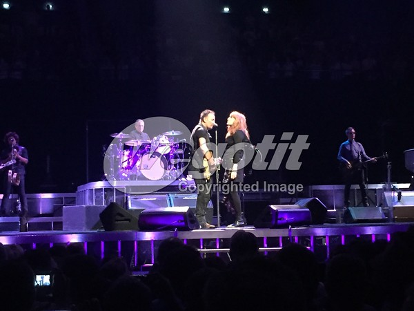 Bruce Springsteen 11-JUL-2016 @ AccorHotels Arena, Paris, France © Thomas Zeidler