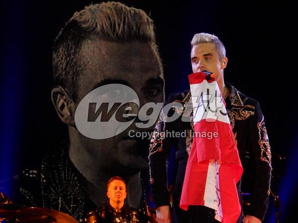 Robbie Williams 21-APR-2015 @ TipsArena, Linz, Austria © Thomas Zeidler