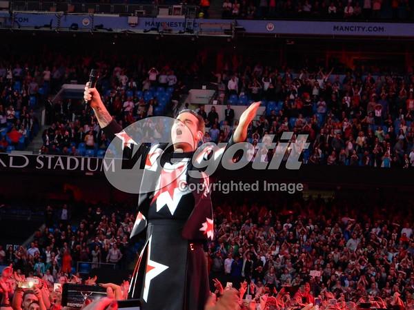 Robbie Williams 02-JUN-2017 @ Etihad Stadium, Manchester, UK © Thomas Zeidler