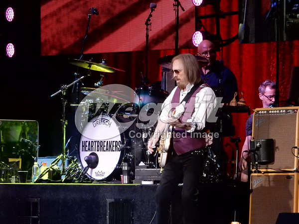 Tom Petty 05-MAY-2017 @ Perfect Vodka Amphitheatre, West Palm Beach , USA © Thomas Zeidler
