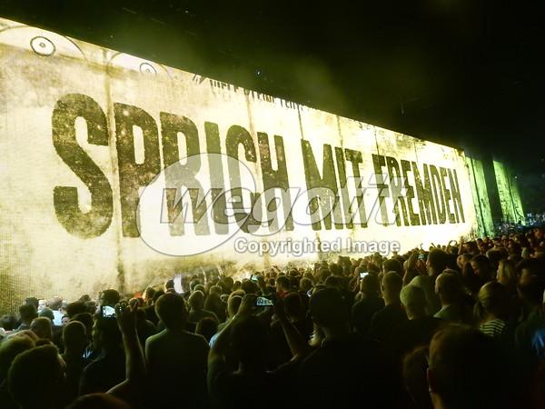U2 25-SEP-2015 @ Merzedes Benz Arena, Berlin, Germany © Thomas Zeidler
