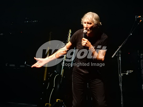 Roger Waters 16-OCT-2017 @ Bell Centre, Montreal, Canada © Thomas Zeidler